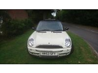 2003 Mini Cooper 1.6 Hatchback - Genuine Low Mileage - Sunroof - Tinted Glass - Excellent Condition