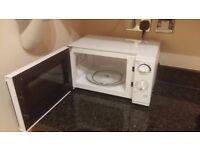 Tesco Microwave - Clean - 700w