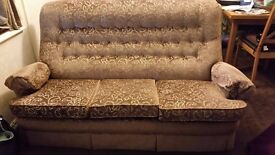 BROWN FABRIC 3 SEATER SETTEE & 2 ARMCHAIRS