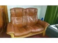 A reclining leather 2 seaters 'Stressless' Windsor Batik Havana