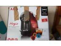LAVAZZA MIO coffee machine (in black) complete with pods little use
