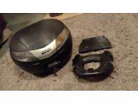 Givi Monokey Topbox and Mounting Plate