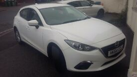 Mazda 3 for sale. Only 20000 miles. M.O.T and warranty valid until december