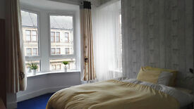 Excellent spacious double room for rent in Paisley. Available immediately