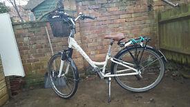 Vintage style hybrid bike with lights, lock, basket, pannier and bag
