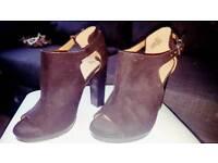 X 4 Heels (Bundle)