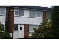 4 bed house in ideal location (unfurnished)