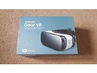 Samsung Gear VR - Virtual Reality Headset In Frost White - Mint Condition Only Used Once