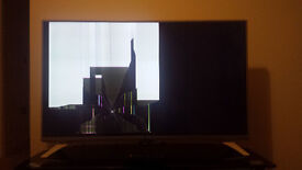 LG 43 inch LED Smart TV 1080p full HD - FAULTY (cracked screen) - spares & repairs