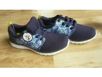 Ladies Lightweight Trainers Size 7 Brand New