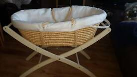 Moses basket and stand. great condition.
