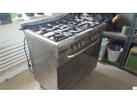 Baumatic gas cooker 5 hobs, dishwasher, Franke steel sink and tap