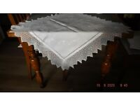 ANTIQUE WHITE IRISH LINEN TABLECLOTH HEIRLOOM LACE EDGE AND HAND EMBROIDERY