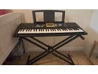 Yamaha Ypt 220 Keyboard with stand and box