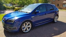 Ford Focus 225 St-3 5dr - immaculate condition. lots of extras