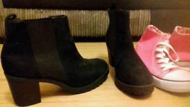Ladys boots size 8
