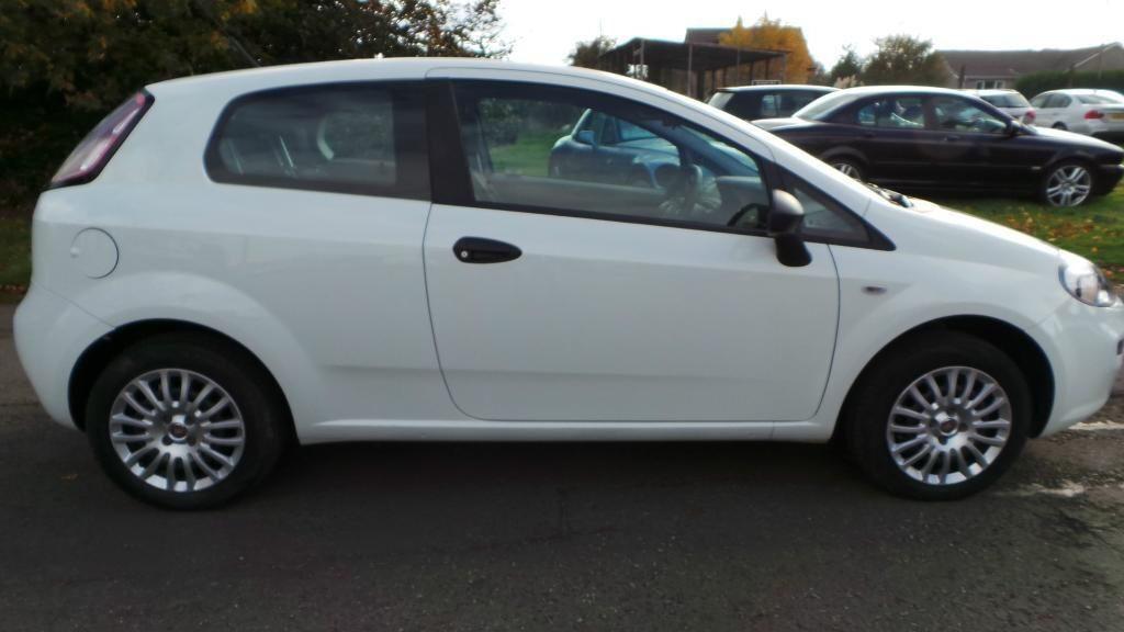Fiat Punto Pop White 2012 12 Fiat Punto 1.2 Pop 72k