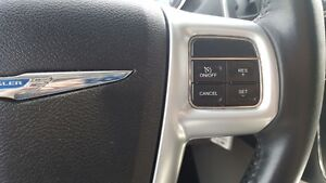 2014 Chrysler Town & Country DUAL AIR/HEAT-BACK UP CAMERA-PWR LI Windsor Region Ontario image 17