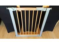 Lindam wooden style stair gate