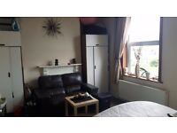 Newly Redeveloped Large Double Room In Clean House. ALL BILLS AND COUNCIL TAX INCLUDED
