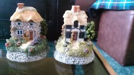 Pair of Small and beautiful ceramic cottage/houses, hand-made