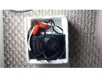 **RETRO**VINTAGE**RADIO\CASSETTE WALKMAN WITH HEADPHONES**EQUALIZER**VERY GOOD CONDITION**BOXED**