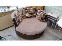 Swivel Love Chair