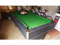 6Ft Pub pool table with all the balls