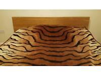 King size bed + mattress.(07429496138)