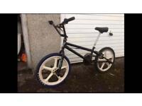 BMX freestyler Zinc Xtreme 360 White mag wheels £55