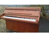 Upright piano ( Small ) made by Bentley