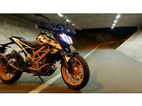 2017 KTM Duke 390 low mileage, akropovic exhaust + extras