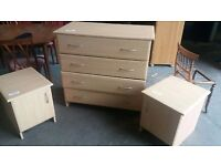 Chest of drawers and bedside cabinets set