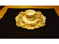 Very pretty Royal Paragon Serving plate, side plate and cup only £3