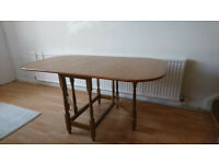 Table & 4 chairs (oaktree).