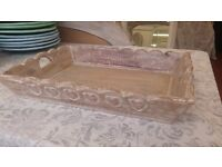 Beautiful mango wood tray with hand carved heart detail, new - 35cm x 45cm