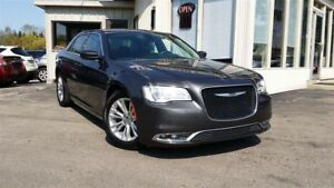 2016 Chrysler 300 Touring - LEATHER! NAV! BACK-UP CAMERA!