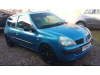 RENAULT CLIO 1.2 PETROL WITH FULL YEAR MOT AND FULL SERVICE HISTORY