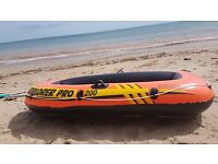 inflatable dingy explorer pro 200