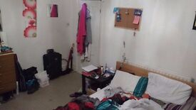 Large Double Room - £420 per month ALL BILLS INCLUDED!!!