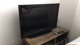 Toshiba 32-inch Widescreen LCD TV with Freeview HD