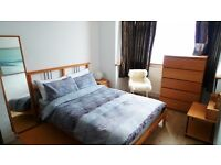 **CLEAN AND CALM DBL ROOM**Enfield Town - FEMALE / NON SMOKER ONLY - £495 all incl.