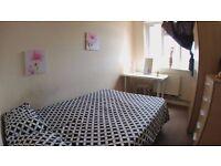 just 10 min to Baker Street ! Beautiful Bedroom in Wildesdeen Green / Jubilee Line.