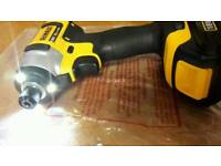 DEWALT IMPACT DRIVER DCF 885 AND 1.5AH BATTERY....NEW....18V....
