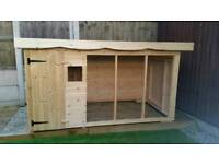 Brand new Deluxe extra large dog kennel and run with galvanised mesh RRP £900