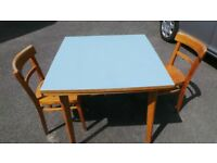 RETRO original 1945 BLUE FORMICAHARDWOOD EXTENENDABLE TABLE WITH THE ORIGINAL TWO CHAIRS