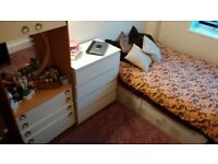 Double room Zone 2 Battersea park area, Vauxhall, Victoria station.