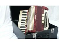 Weltmeister accordion with box in excellent condition (5 registers, 80 bass) - Price negotiable