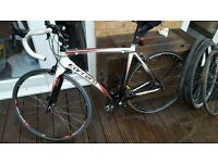 Carrera Virago Full Carbon Fibre Road race Bike Bicycle with extras