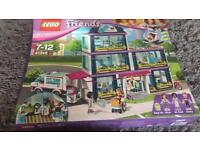 Lego friends hospital 41318